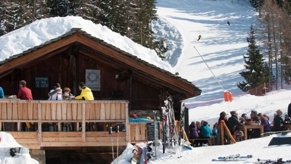 Mountain restaurants in the sun in Sainte Foy