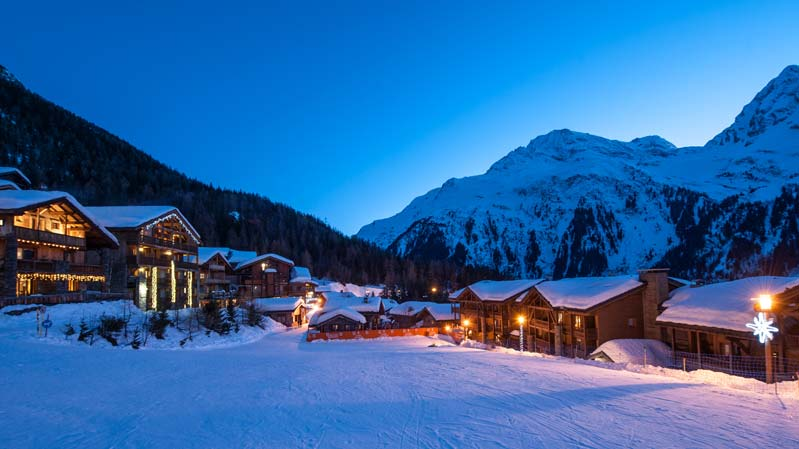 Sainte Foy Resort by night