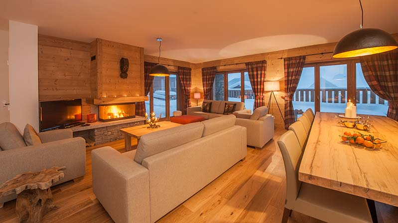 Chalet Margaux in Sainte Foy open plan living dining area